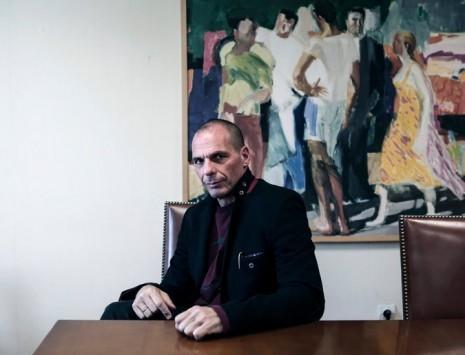 """""""Δεν θέλουμε τα 7 δισ. ευρώ της δόσης"""" – Τι λέει ο Γ. Βαρουφάκης για το χρέος και τη διαπραγμάτευση"""