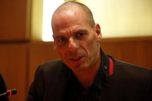 Βόμβα Βαρουφάκη στους Financial Times: Tέρμα το αίτημα για διαγραφή του ελληνικού χρέους
