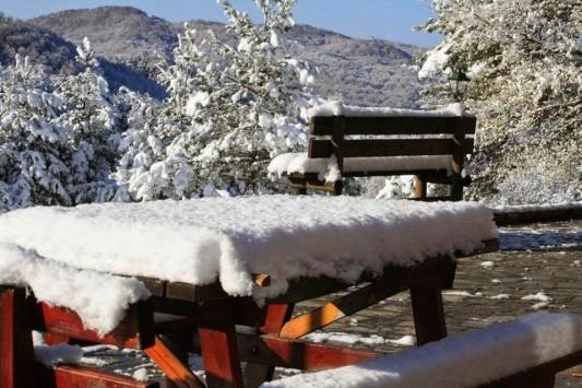 Στα λευκά ντύθηκαν τα ορεινά της Ξάνθης (ΦΩΤΟ)