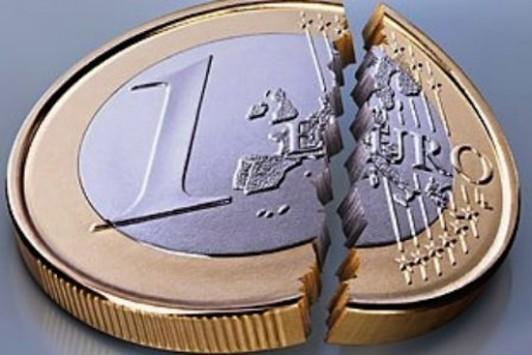 Reuters: Το ευρώ διαλύεται στους επόμενους 12 μήνες