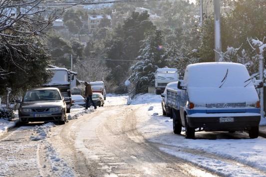 Σαρωτικές καταιγίδες και χιόνια τις επόμενες ώρες σε όλη τη χώρα – Ποιες περιοχές θα πληγούν