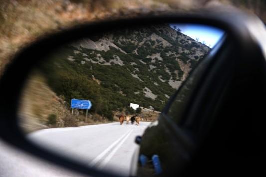 Θεσσαλονίκη: Κοίταξε τον καθρέφτη του αυτοκινήτου του και είδε αυτή την εικόνα - Φωτό από την παλιά εθνική οδό!