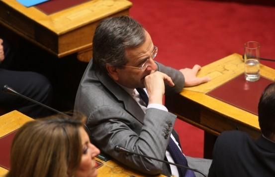 `Γαλάζιες μουρμούρες` για την ομιλία Σαμαρά στη Βουλή