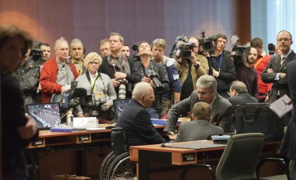 Με το βλέμμα στα δημόσια ταμεία το Μαξίμου `κυνηγά` ένα Eurogroup - Ποιοί υπουργοί έχουν μπει στη `μαύρη λίστα` των δανειστών