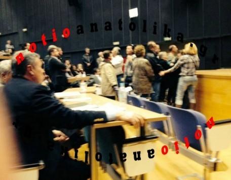 Κάτοικοι του Γραμματικού κατά της Ρένας Δούρου - Άρπαξαν τα μικρόφωνα