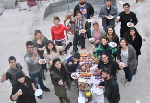 Λευκάδα: Οι φοιτητές που κατάφεραν να γυρίσουν τη σούβλα με τη σκέψη τους - Δείτε το εκπληκτικό βίντεο!