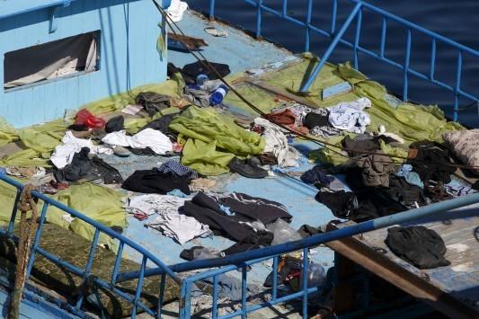 Ναυάγιο δουλεμπορικού με 400 νεκρούς μετανάστες στη Μεσόγειο
