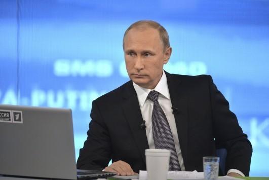 Ο νόμος του Πούτιν που ξεσήκωσε θύελλα αντιδράσεων