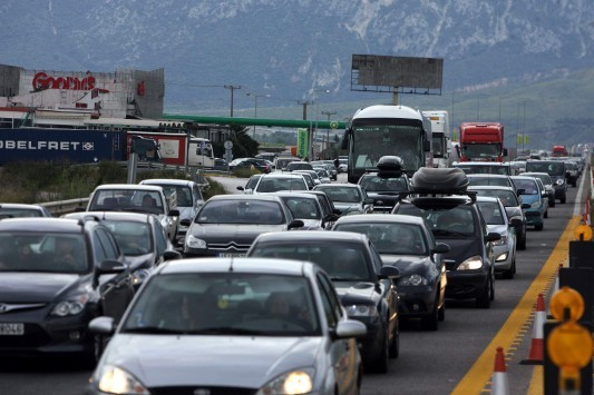 Τα πάνω κάτω στη φορολογία αυτοκινήτων - Θα φορολογούνται με βάση τη λιανική τιμή, όχι τον κυβισμό - Έρχεται το `χαράτσι` περιβάλλοντος