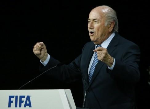 Ραγδαίες εξελίξεις στη FIFA! Ξανά πρόεδρος ο Μπλάτερ