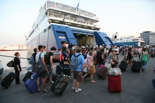 Βόρειο Αιγαίο: Τουρίστες φεύγουν δίχως να πληρώσουν - Ακυρώνονται κρατήσεις