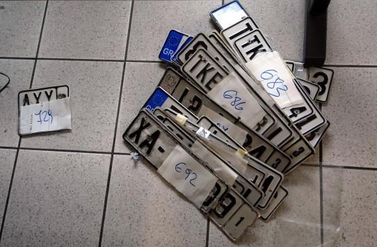 Δημοψήφισμα 2015: Επιστρέφονται διπλώματα και πινακίδες - Παρατείνεται το ωράριο για έκδοση αστυνομικών ταυτοτήτων