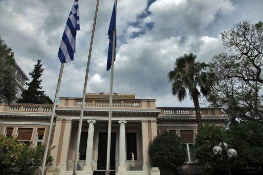 Συμφωνία: Το κυβερνητικό συμβούλιο ενέκρινε τα νέα μέτρα - Τσίπρας: Είμαι έτοιμος για συμφωνία - Σε συναγερμό οι βουλευτές του ΣΥΡΙΖΑ