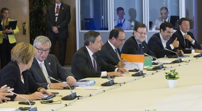 Σύνοδος Κορυφής Live: Μέρκελ: Η τρόικα να επιστρέψει στην Αθήνα - Εκτός συζήτησης το ενδεχόμενο κουρέματος του χρέους