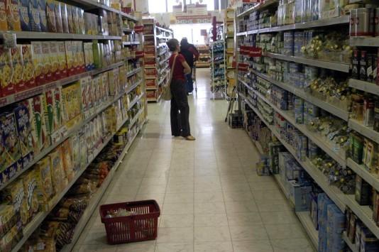 Από Δευτέρα το νέο καθεστώς του ΦΠΑ στην αγορά - Σε ποια προΐόντα θα εκτοξευτούν οι τιμές