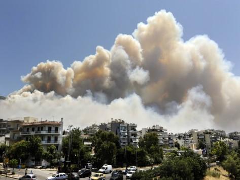 """Φωτιά: """"Ξετυλίγεται"""" το οργανωμένο σχέδιο εμπρησμού στην Αττική;"""