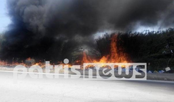 Πύργος: Φωτιά σε βουνά από σκουπίδια στην εθνική οδό - Αποπνικτική η ατμόσφαιρα (Βίντεο)!