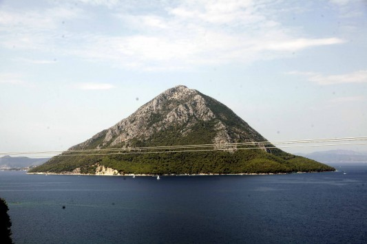 Απίστευτη πρόταση από έναν κροίσο! Πουλήστε μου ένα ελληνικό νησί για να υποδεχτώ μετανάστες