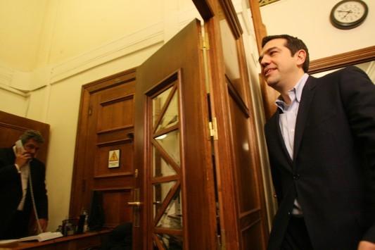 Live: Σκληρή δουλειά ζήτησε από τους υπουργούς του ο Αλέξης Τσίπρας στην εισήγησή του στο υπουργικό