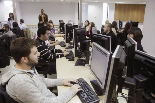 Συντάξεις: Τα νέα όρια ηλικίας σε Δημόσιο, ΔΕΚΟ, Τράπεζες – Ποιοι θα δουλέψουν περισσότερα χρόνια