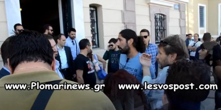 Επεισόδιο με δημοσιογράφους και τους άντρες ασφαλείας του πρωθυπουργού - Τσίπρας: `Με τέτοια συμπεριφορά δεν θα μπεις μέσα` - ΒΙΝΤΕΟ
