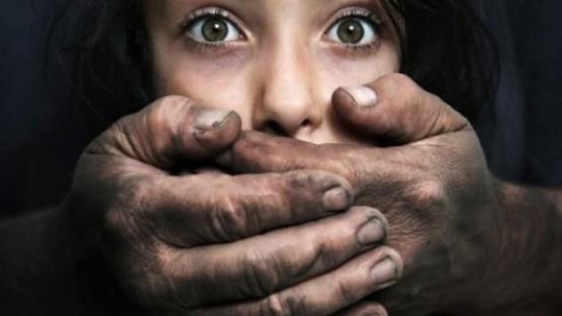 Όταν η μάνα έλειπε ο 43χρονος σύντροφός της κακοποιουσε την 11χρονη κόρη!