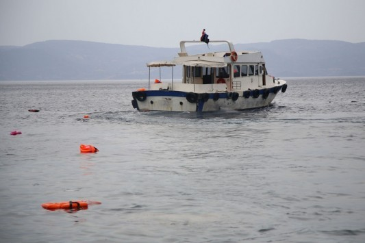 Θάλασσα νεκρών το Αιγαίο! Νέο ναυάγιο με πρόσφυγες - Ένα βρέφος, ένα ανήλικο κορίτσι και μία γυναίκα τα νέα θύματα