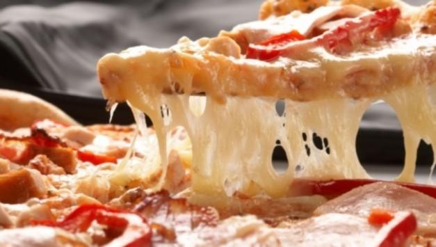 Απίστευτη έρευνα: Ανακάλυψαν γιατί η πίτσα είναι εθιστική!