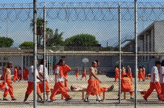 Φρικιαστικές αποκαλύψεις: Τι παθαίνουν οι παιδόφιλοι μέσα στη φυλακή!