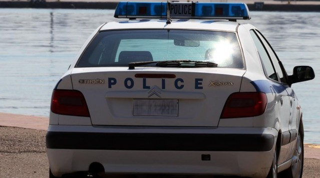 Έπιασαν `ματάκια` αστυνομικό στα λουτρά των Θερμοπυλών!