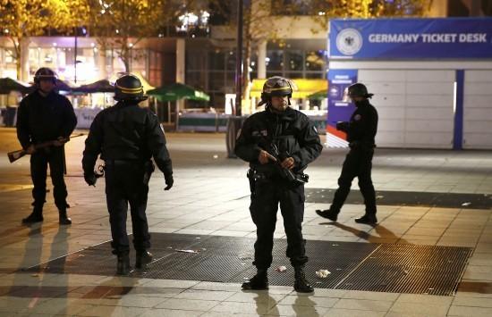 Παρίσι: Εληξε η ομηρία στο θέατρο Μπατακλάν - Νεκροί οι δυο τρομοκράτες