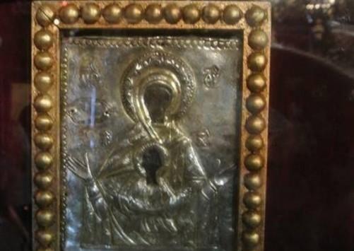Ρόδος: Η μετακίνηση της θαυματουργής εικόνας της Παναγίας έκρυβε εκπλήξεις (Φωτό)!