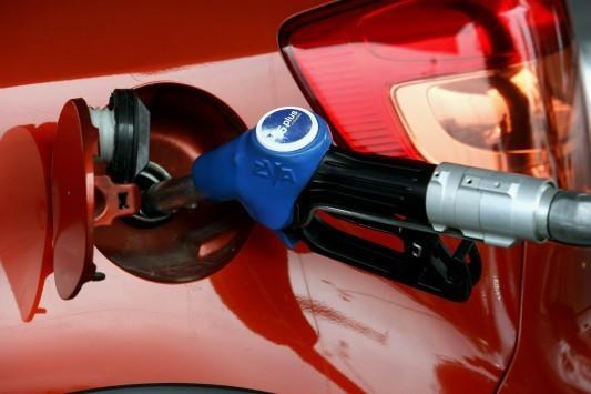 Βόμβα βενζινοπωλών: Το χαράτσι σε βενζίνη και πετρέλαιο θα φτάσει το 10%!