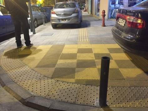 Θεσσαλονίκη: Αυτά είναι τα πιο απίθανα παράνομα παρκαρίσματα των φετινών Χριστουγέννων (Φωτό)!