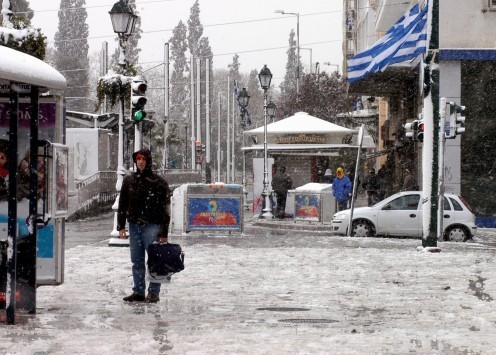 O καιρός της Πρωτοχρονιάς: Χιόνια ακόμα και στο κέντρο της Αθήνας