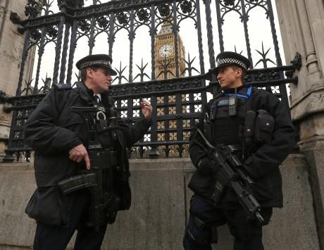 Πρωτοχρονιά 2016: Ακυρώθηκαν εορτασμοί σε Βρυξέλλες και Μόσχα! `Κόκκινος συναγερμός` στο Λονδίνο!