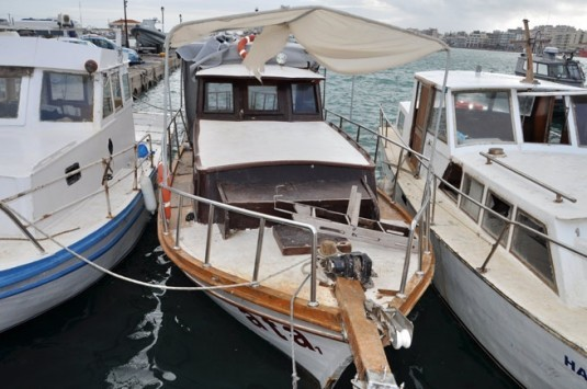 Χίος: Αποθήκη δουλεμπορικών σκαφών το νησί - Πάνω από 250 βάρκες και 1.000 εξωλέμβιες μηχανές!