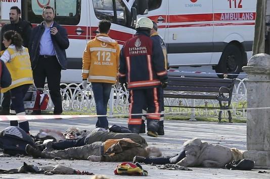 Κωνσταντινούπολη Live: Μακελειό με θύματα τουρίστες κοντά στην Αγία Σοφία και στο Μπλέ Τζαμί - Ερντογάν: Σύρος καμικάζι πίσω από την έκρηξη