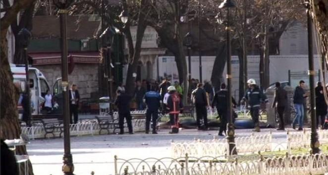 Κωνσταντινούπολη: Έκρηξη με δεκάδες θύματα - Καμικάζι προσπάθησε να πλησιάσει γκρουπ τουριστών κοντά στην Αγία Σοφία και το Μπλε Τζαμί