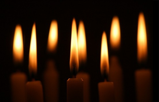 Κερί: Τι συμβολίζει και γιατί το ανάβουμε;