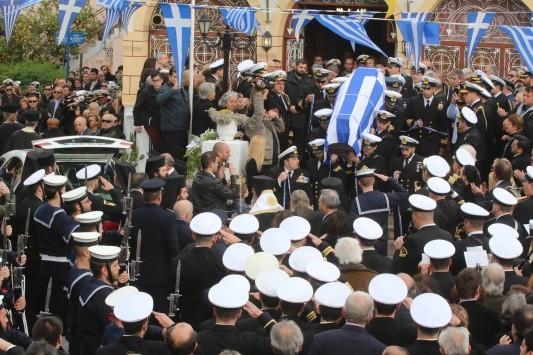 Ναύπλιο: Σπαραγμός στην κηδεία του Κωνσταντίνου Πανανά - Το τελευταίο αντίο στον συγκυβερνήτη του μοιραίου ελικοπτέρου!