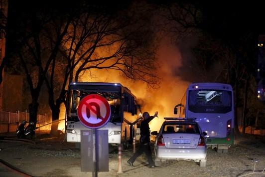 `Πνίγηκε` στο αίμα η Τουρκία! 20 νεκροί από έκρηξη παγιδευμένου αυτοκινήτου - Δείχνουν ως τρομοκράτες το PKK