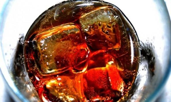 ΣΟΚ: Τι γίνεται στο σώμα σας κάθε φορά που πίνετε ΕΝΑ αναψυκτικό