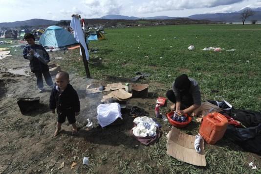 Ειδομένη: Κολλημένοι στη λάσπη βρίσκονται 13.000 άνθρωποι - ΦΩΤΟ