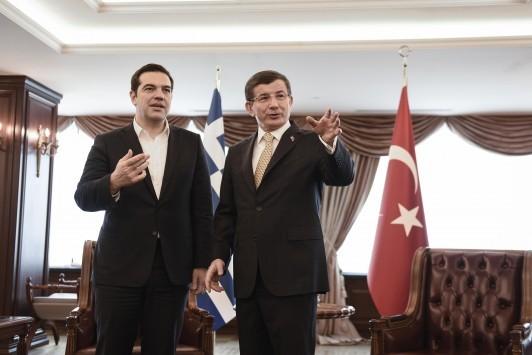Ποίημα για τον `άπιστο Έλληνα` στην τουρκική Βουλή με τον Τσίπρα στη Σμύρνη (VIDEO)