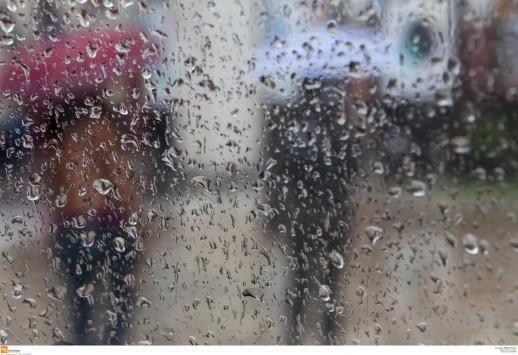 Βόλος: Πλημμύρες και ματαίωση των καρναβαλικών εκδηλώσεων - Σφοδρή καταιγίδα δύο ωρών!