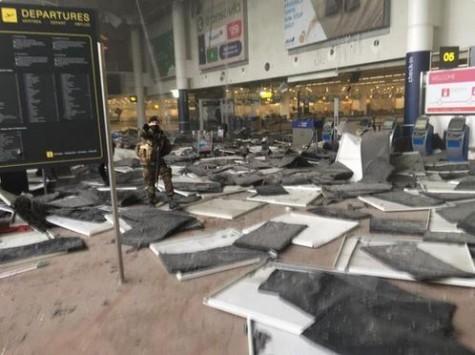 Εκρήξεις στο αεροδρόμιο των Βρυξελλών - Πληροφορίες για θύματα
