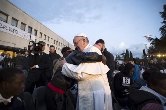 Ο Πάπας Φραγκίσκος στην Ελλάδα – Θα επισκεφτεί τη Λέσβο μαζί με τον Αρχιεπίσκοπο Ιερώνυμο και τον Οικουμενικό Πατριάρχη Βαρθολομαίο