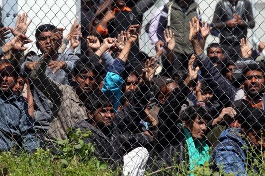 Αναβάλλεται η επαναπροώθηση των προσφύγων στην Τουρκία μέχρι την Παρασκευή!
