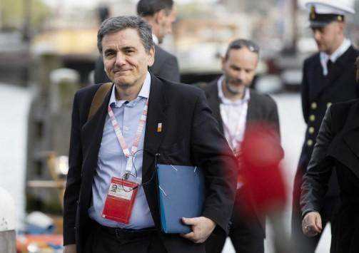 Προς νέου τύπου Μνημόνιο για τα 3,6 δισ ευρώ - Μαξίμου: «Δεν ψηφίζουμε τα πρόσθετα μέτρα 3,6 δισ στην Βουλή»